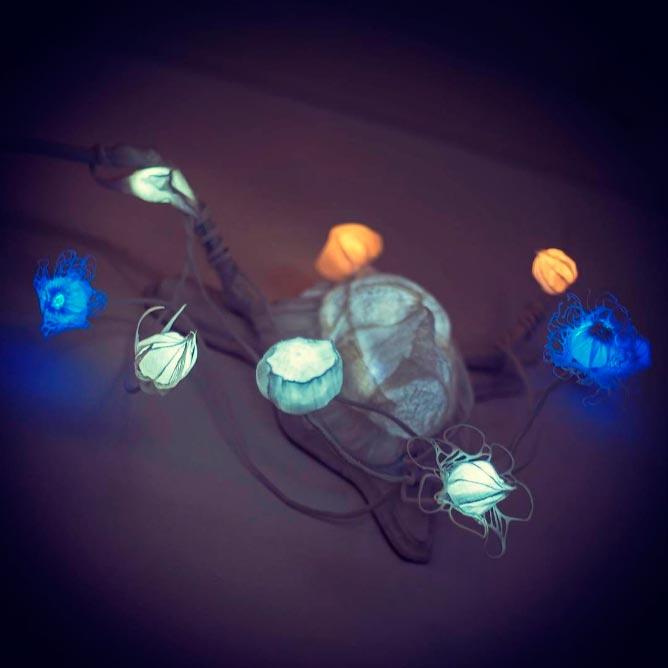 Rohatý bůh — noční světlo od Evy Nečasové, Spacelights