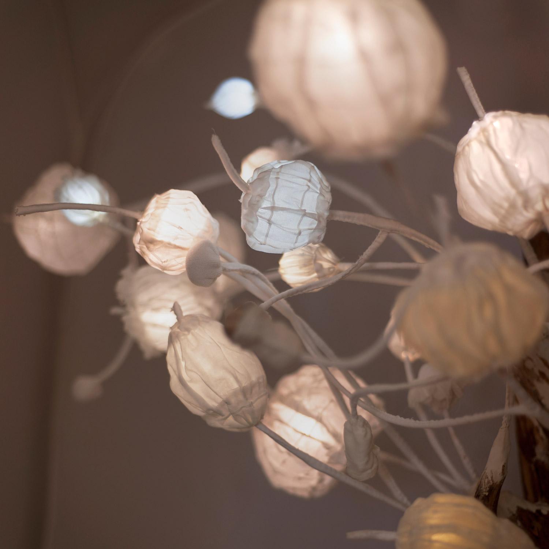 V mechu — svítící objekt od Evy Nečasové, Spacelights